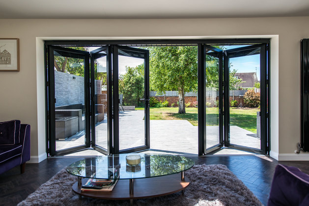 4 Features of Bifold Doors that make them Perfect for Modern Homes ...